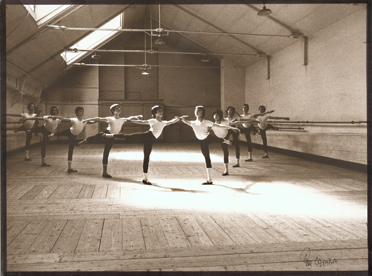 Kim Camba - Young Danseurs in Arabesque Position