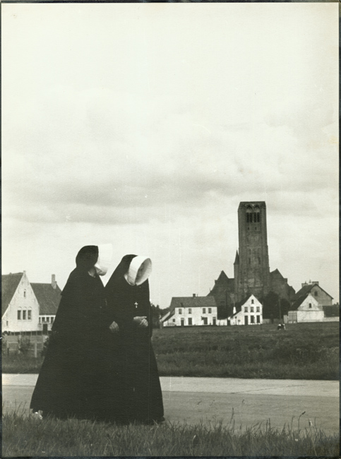 Raoul Bariaux - Nuns in Damme (near Bruges)