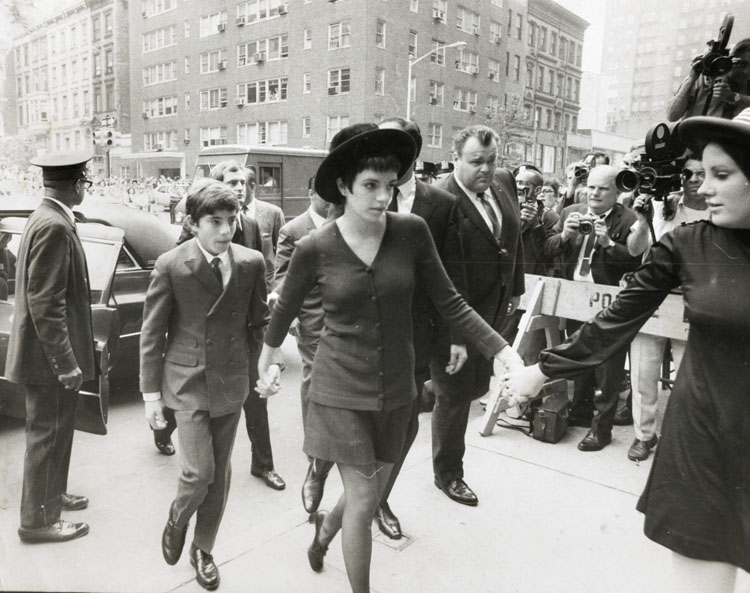 Hurley - Hand in Hand Arriving for Funeral Services for Judy Garland are (l-r): Joseph Luft, Liza Minelli and Lorna Luft.