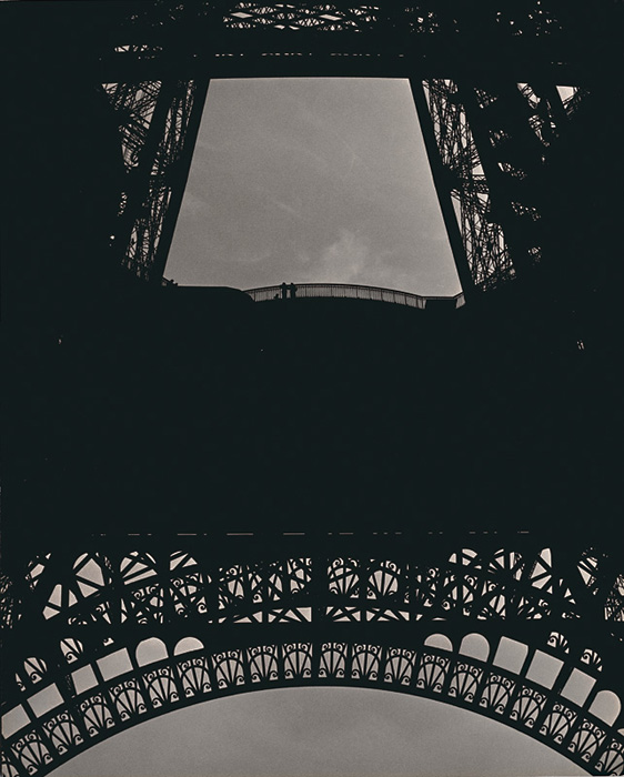 Ilse Bing - Tour Eiffel, Paris