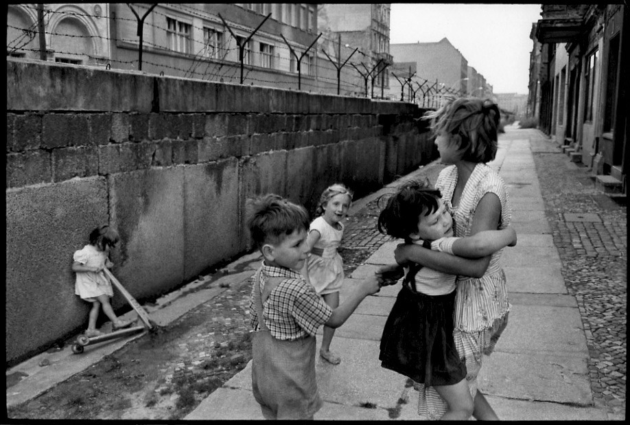 Henri Cartier-Bresson - Children Playing at the Berlin Wall