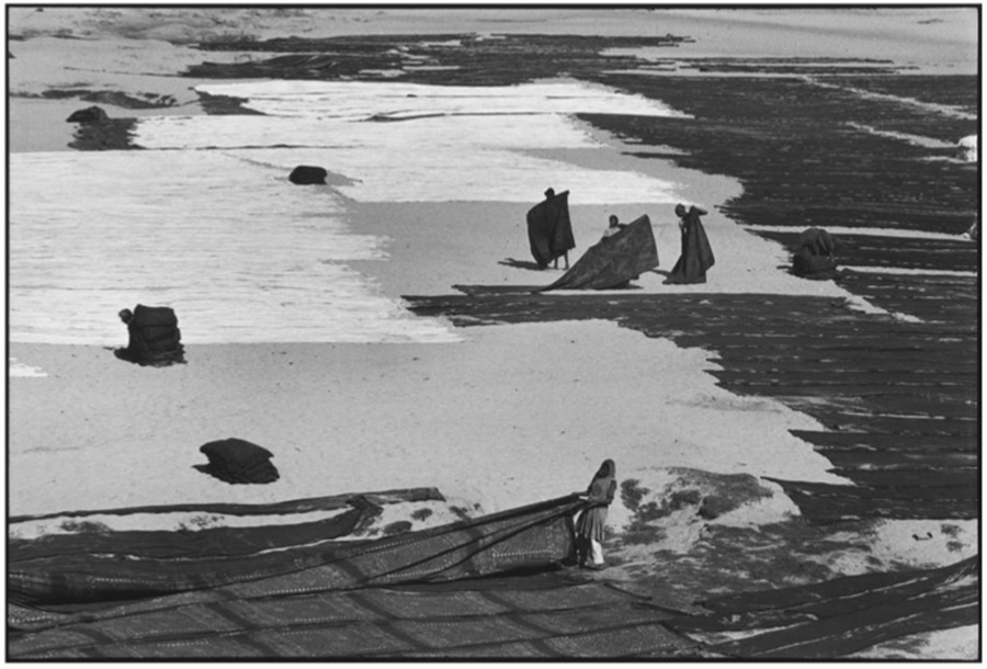 Henri Cartier-Bresson - Drying Sheets, Ahmedabad, India