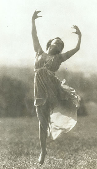 A. Harlingue - Dancer Jeanne Ronsay at St. Cloud, France (4 Images)