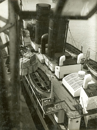 Geza Vandor - Deck of Steamship from above