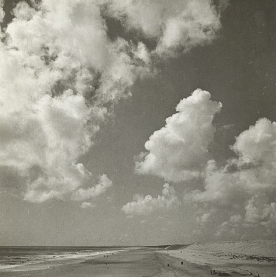 Emmanuel Sougez - Cloud Study with Beach